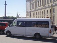 mini-bus-a-Saint-Petersbourg.jpg